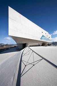 Zaha Hadid Architektur : die besten 25 wissentschaftszentren in der architektur ideen auf pinterest wasserquellen ~ Frokenaadalensverden.com Haus und Dekorationen