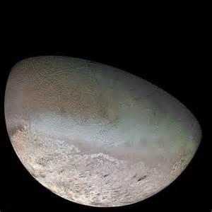 File:Triton moon mosaic Voyager 2 (large).jpg - Wikipedia
