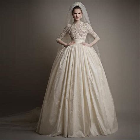Latest 12 Sleeve European Style Ball Gown Wedding Gown