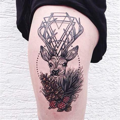 tatouage femme cuisse ces tatouages sur les cuisses qui peuvent rendre les