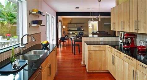 kitchen cabinets with light countertops 5 kitchen countertop and cabinet combinations academy