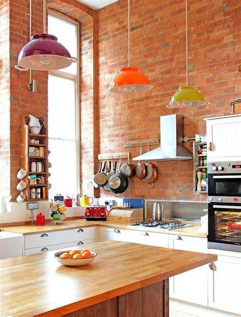brique cuisine mur briques exposées dans la cuisine une très idée déco
