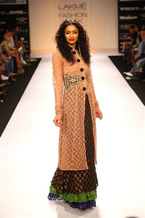 indo western fusion  women wear indowestern