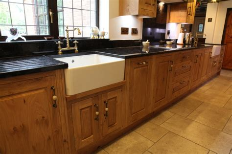 english oak kitchen cabinets bespoke kitchens holme tree leicestershire