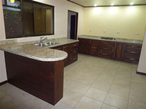 muebles de cocina en granito imagui