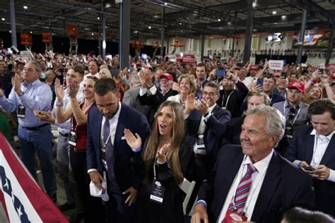 In Defiance Of Nevada Governor, Trump Holds Indoor Rally ...