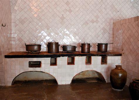 騅ier de cuisine en ceramique une avenue musée et le palácio nacional de sintra jacqueslanciault com