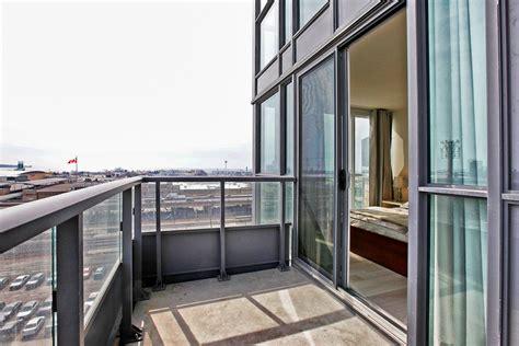 sold  storey  bedroomden loft   hanna ave suite  liberty village condo