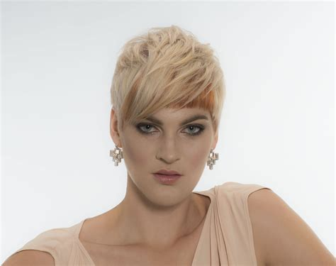 best product for pixie haircut aalam the salon haircut hair color highlights 2725