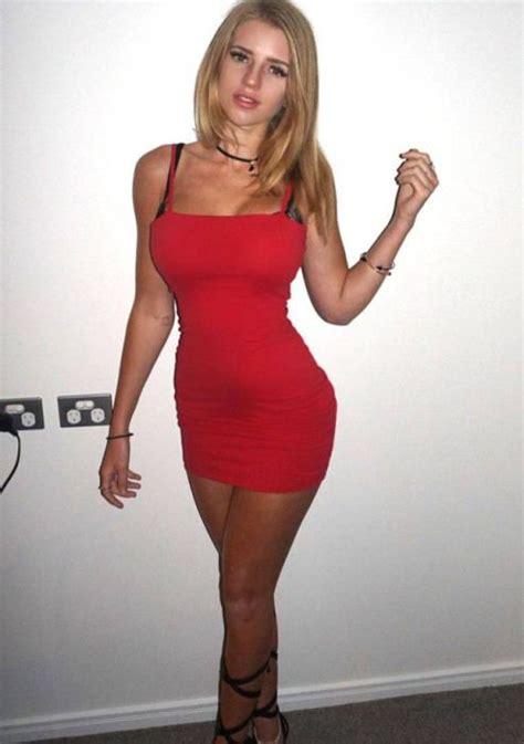 Hot Girls In Tight Dresses Pics