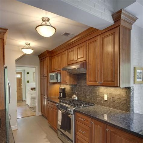 honey oak kitchen cabinets decorating ideas 17 best ideas about honey oak cabinets on oak