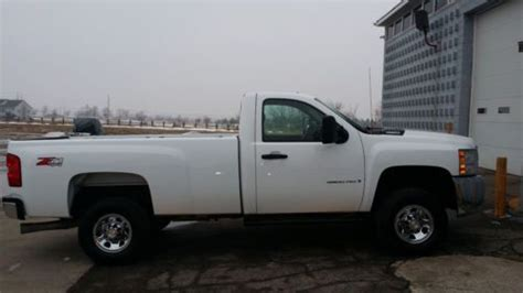 find   chevrolet silverado   lt regular