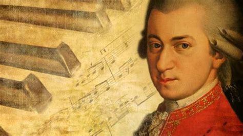 Wolfgang Amadeus Mozart - History and Biography