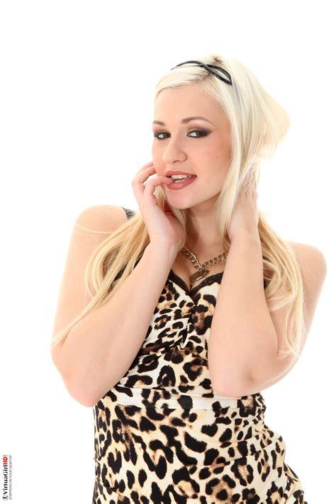 Tracy Lindsay Ready To Roar Virtuagirls Girls