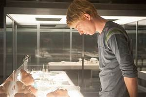ex machina review lively engages with our fears