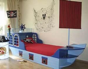 Piraten Kinderzimmer Gestalten : tipps zum einrichten vom kinderzimmer die beliebtesten mottos ~ Michelbontemps.com Haus und Dekorationen