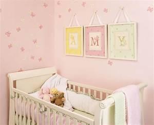 tableau chambre bebe 30 idees de decoration mignonne With chambre bébé design avec livraison de rose a domicile