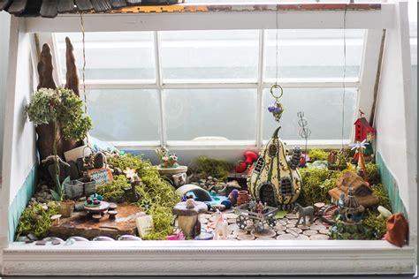 17 creative gardening ideas using windows garden