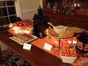 Party Buffet Ideen : die besten 25 halloween buffettisch ideen auf pinterest halloween party halloween party ~ Markanthonyermac.com Haus und Dekorationen