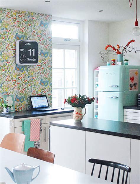 17 Retro Kitchen Ideas  Decoholic