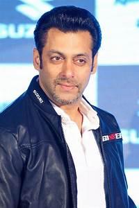 Salman Khan's NEW Look: Actor Sports French Beard ...  Salman