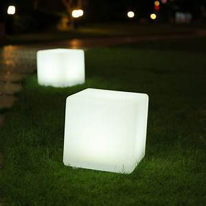 Cube lumineux multicolore solaire casy lumisky leds for Cube lumineux solaire exterieur