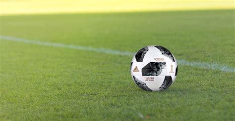 Ich werde versuchen, regelmäßig videos rund um das thema fußball zu veröffentlichen. Keine 4K-Übertragung der Fußball-WM 2018 via Satellit - 4K Filme