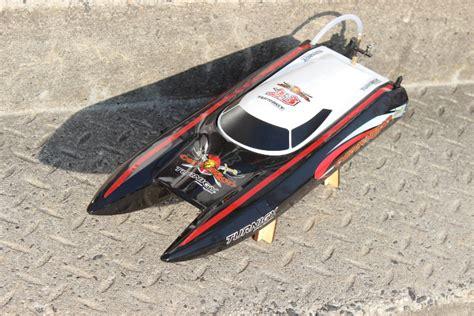 Man Valt Met Motor In Boot by Rc Modellbau Boot Centurion Von Turnigy