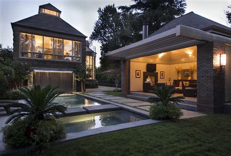 20+ Impressive Cottage Patio Ideas