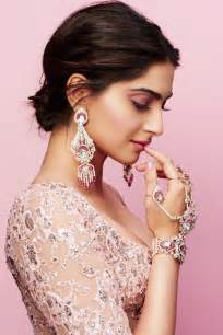 The 25  best Sonam kapoor ideas on Pinterest   Indian