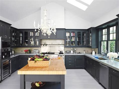 20 stylish kitchens that rock 20 stylish kitchens that rock the black look