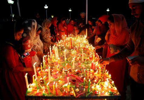 Photos Of Hindus Celebrating Diwali Festival Of Lights