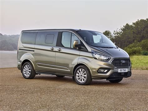 The ford transit custom, dciv & custom sport is the van designed for businesses. Ford : restylage pour les Tourneo Custom et Transit Custom