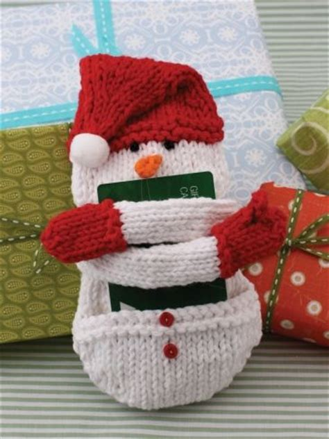 christmas knitted cozy free knitting patterns snowman gift card cozy knitting pattern knitty stuff