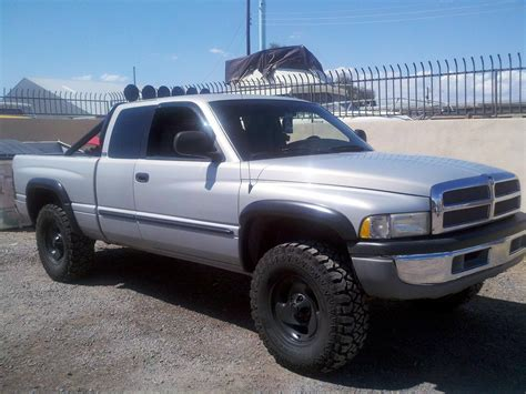 how to fix cars 2000 dodge ram 1500 club navigation system datboichrisg 2000 dodge ram 1500 club cabshort bed specs photos modification info at cardomain