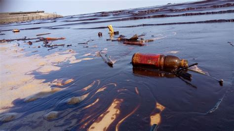 Borneo Oil Spill Costs Indonesia's Poor