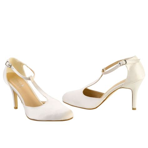 chaussures de mariage pour femme chaussure mariage type charleston satin ivoire