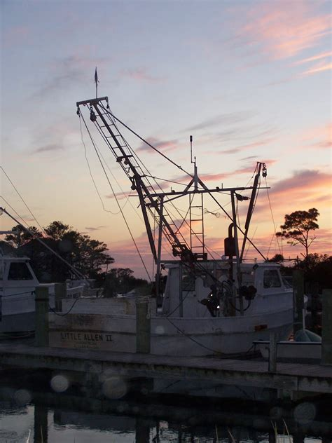 Boat R Harkers Island Nc by Small World Travel Tours Downeast And Harkers Island Nc