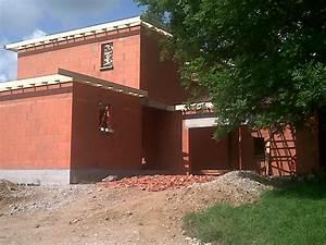 brique maison maison avec vranda et balcon avant de With maison brique ou parpaing