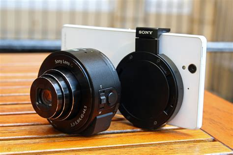 Sony QX10 and QX100 lens-style cameras focus on quality ...