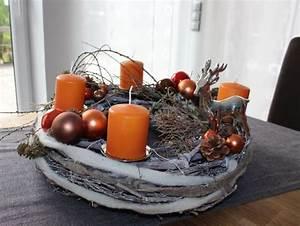 Künstlicher Adventskranz Dekoriert : adventskranz aus gekalktem rebenkranz dekoriert mit ~ Michelbontemps.com Haus und Dekorationen
