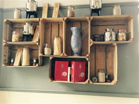 Upcycling wooden crates   cool ideas to decorate your home
