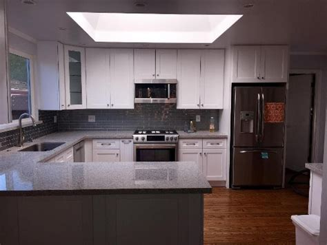 white shaker kitchen cabinets with quartz countertops pelleco home design remodeling showroom scottsdale az White Shaker Kitchen Cabinets With Quartz Countertops