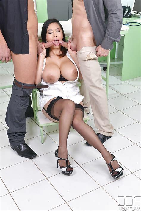 Busty Big Ass Milf Threesome