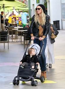 Exclusive... Kimberly Stewart at the Mall with Daughter ...