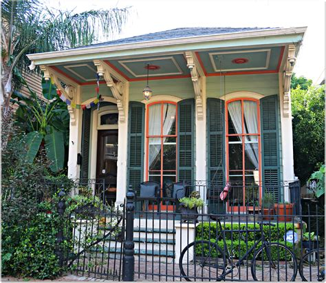 new orleans garden district homes for new orleans condos in the lower garden district new