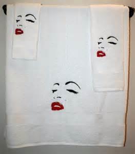 marilyn monroe white 3pc 1 bath towel 1 hand towel 1 coth