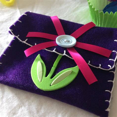simple crafts make a simple felt purse easy sewing project simple crafts