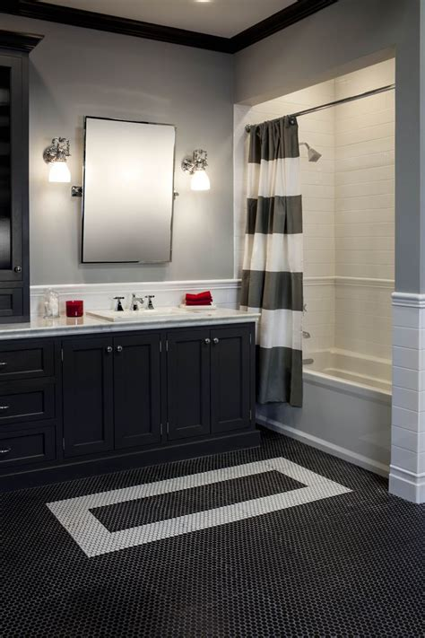 There's Nothing More Classic Than A Black & White Bathroom