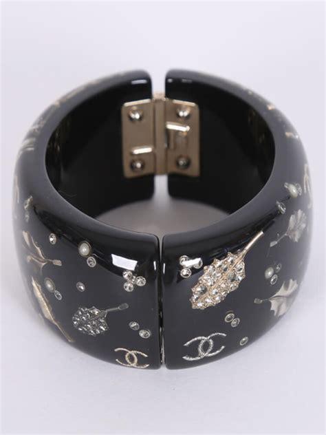 chanel resin leaves cuff bracelet black luxury bags